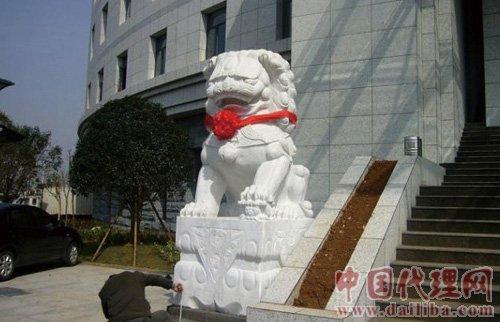 供应中国最最专业石雕狮子生产商
